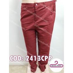 Pantalón gabardina,corte jean. COLOR BORDEAUX