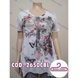 Blusa blanca con estampa y brillos, terminación irregular